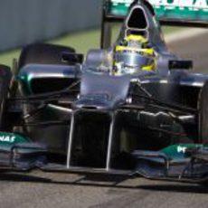 Nico Rosberg rueda con el W03 en los test de Barcelona
