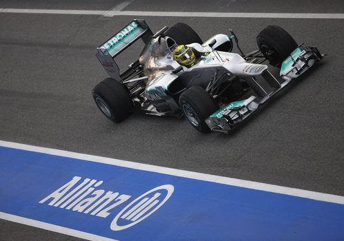 Rosberg a pista con el Mercedes W03