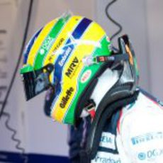 Bruno Senna en su box de Barcelona