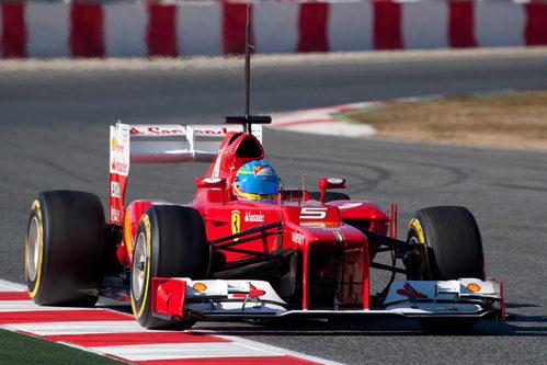 Fernando Alonso rueda en la pretemporada 2012