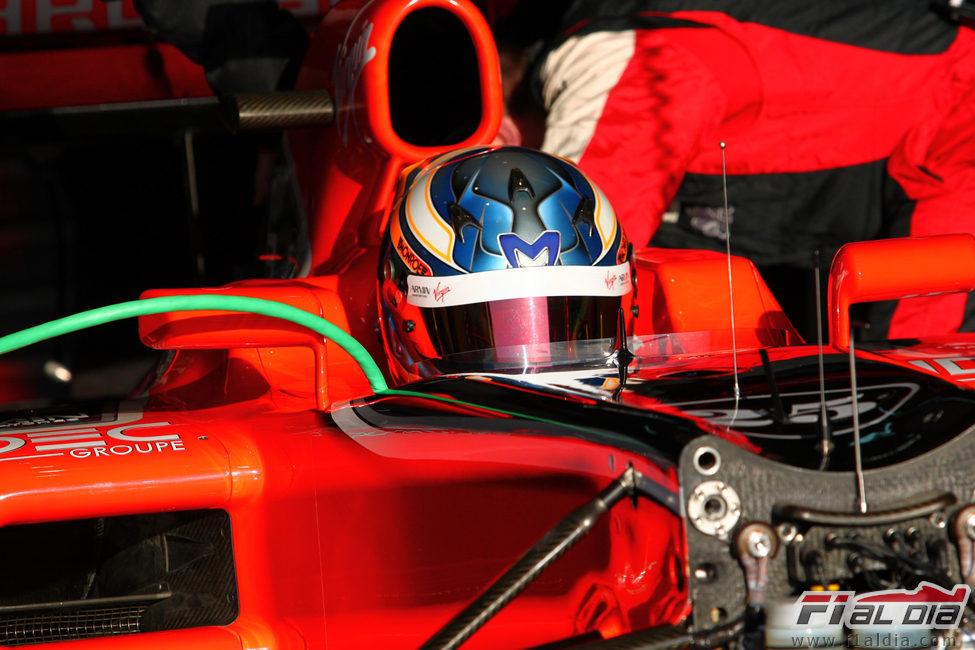 Pic sentado en el Marussia de 2011 en Barcelona