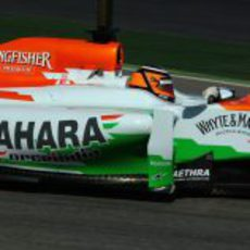 Nico Hülkenberg al volante del Force India en los test