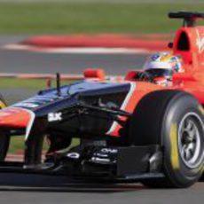 Timo Glock estrena el MR01 de Marussia