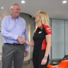 María de Villota firma como probadora de Marussia para 2012