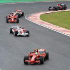 Massa lidera las primeras curvas