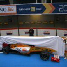 Piquet y Alonso desvelan el nuevo R29