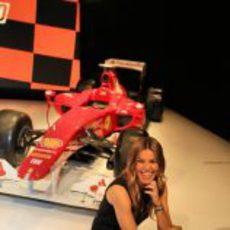 Nira Juanco se divierte en la presentación de Antena 3