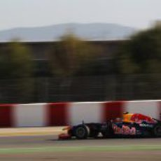 Vista lateral del RB8 de Mark Webber