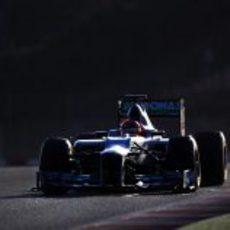 Schumacher con el W03 por la tarde en Montmeló