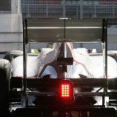 Sergio Pérez sale del box de Sauber en Montmeló