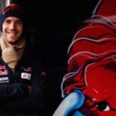 Jean-Eric Vergne sonriente en su box