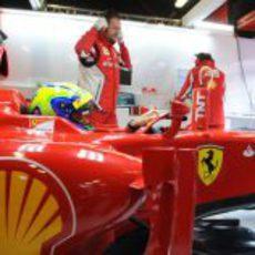 Felipe Massa en el 'cockpit' del F2012