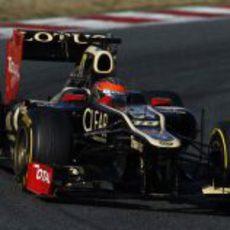 Romain Grosjean dando una vuelta al circuito de Montmeló