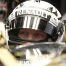 Primer plano de Kimi Räikkönen en el Lotus E20