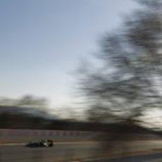 Heikki Kovalainen en pista con el Caterham CT01