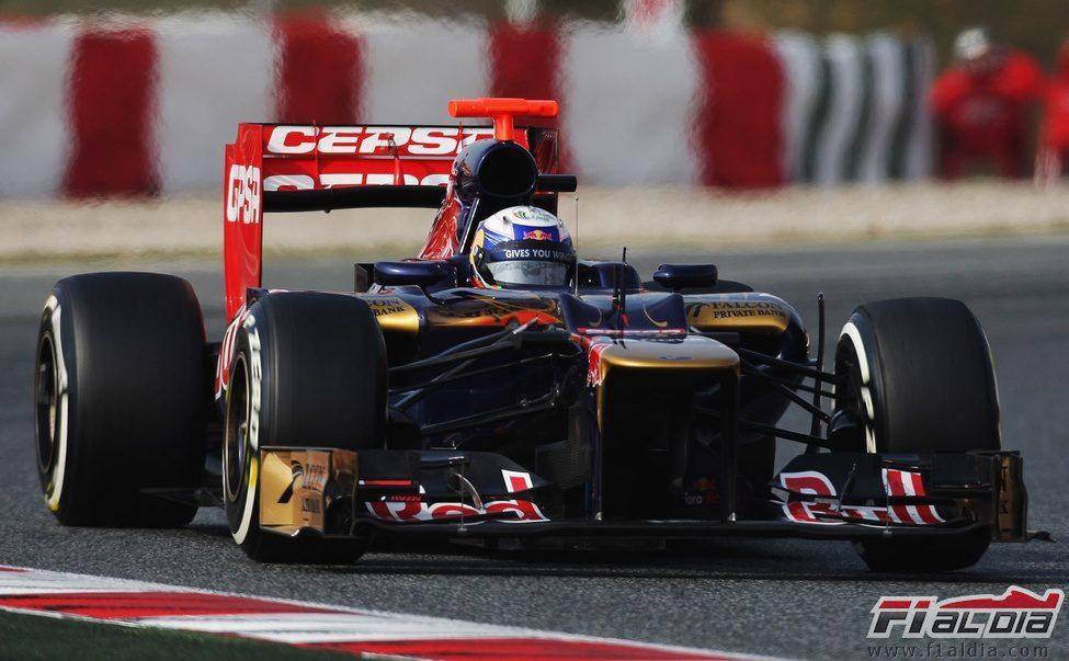 Daniel Ricciardo en los segundo test de Barcelona