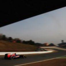 Ricciardo rueda en los test de Barcelona con el STR7