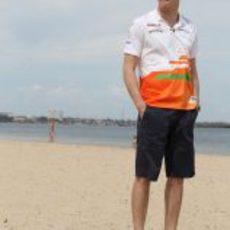Paul di Resta en la playa de Melbourne