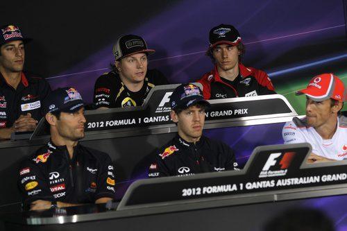 Kimi Räikkönen durante la rueda de prensa de la FIA
