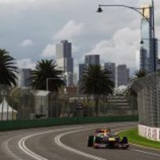 Mark Webber a bordo de su RB8 en Albert Park