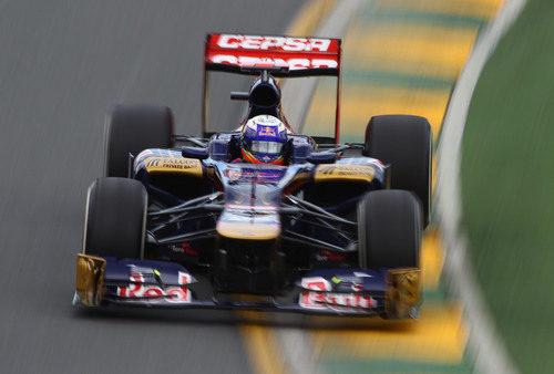 Daniel Ricciardo en su STR7 en Albert Park
