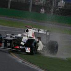 Kamui Kobayashi lucha con su C31 en Albert Park
