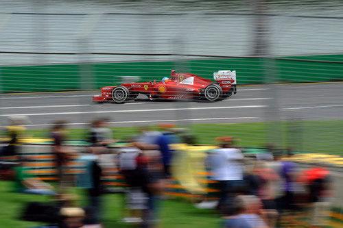 Fernando Alonso rueda en la clasificación del GP de Australia 2012