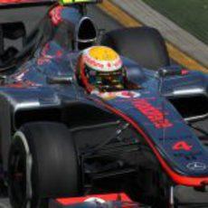 Lewis Hamilton a los mandos del MP4-27