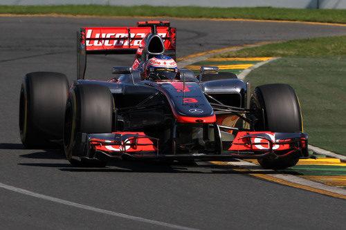 Jenson Button da una vuelta en el circuito de Albert Park