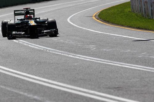 Heikki Kovalainen rueda en Albert Park durante la clasificación