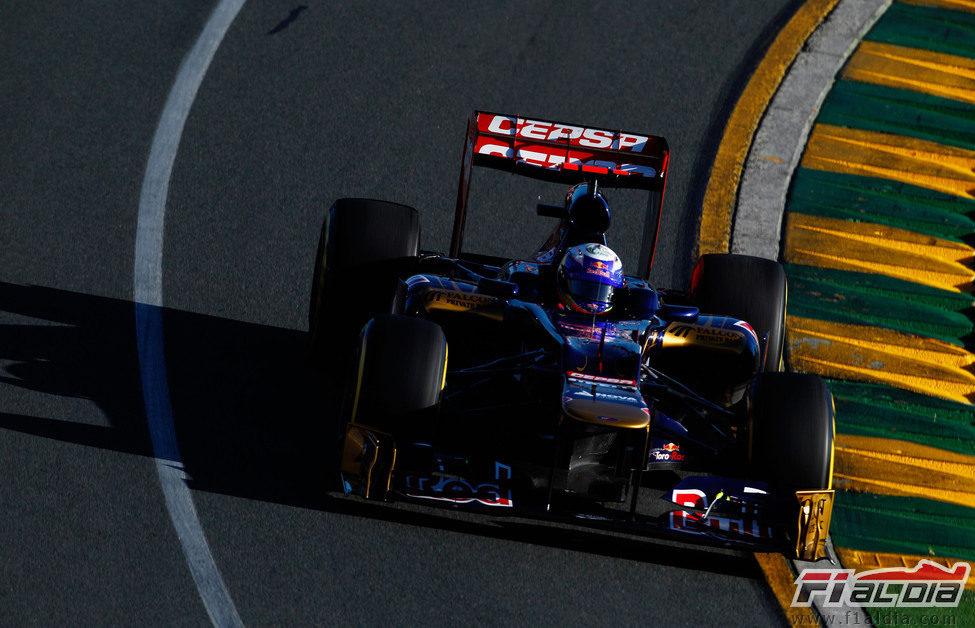 Daniel Ricciardo rueda con el Toro Rosso el sábado en el Gran Premio de Australia