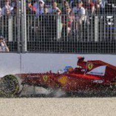 Fernando Alonso en la puzolana en el GP de Australia 2012