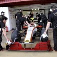 Karthikeyan vuelve al box tras el 'shakedown' del F112