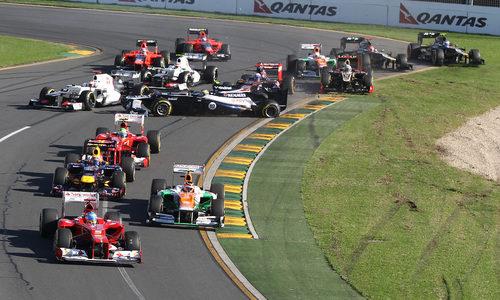 Accidente en la salida del GP de Australia 2012