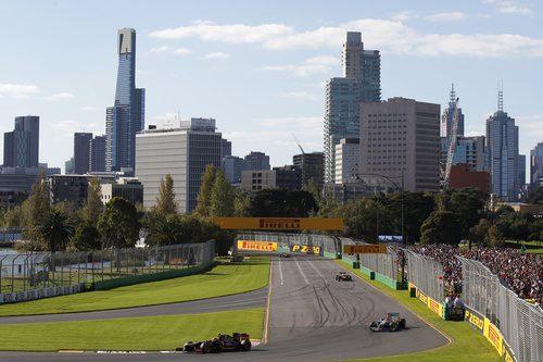 Grosjean completa una vuelta en Albert Park