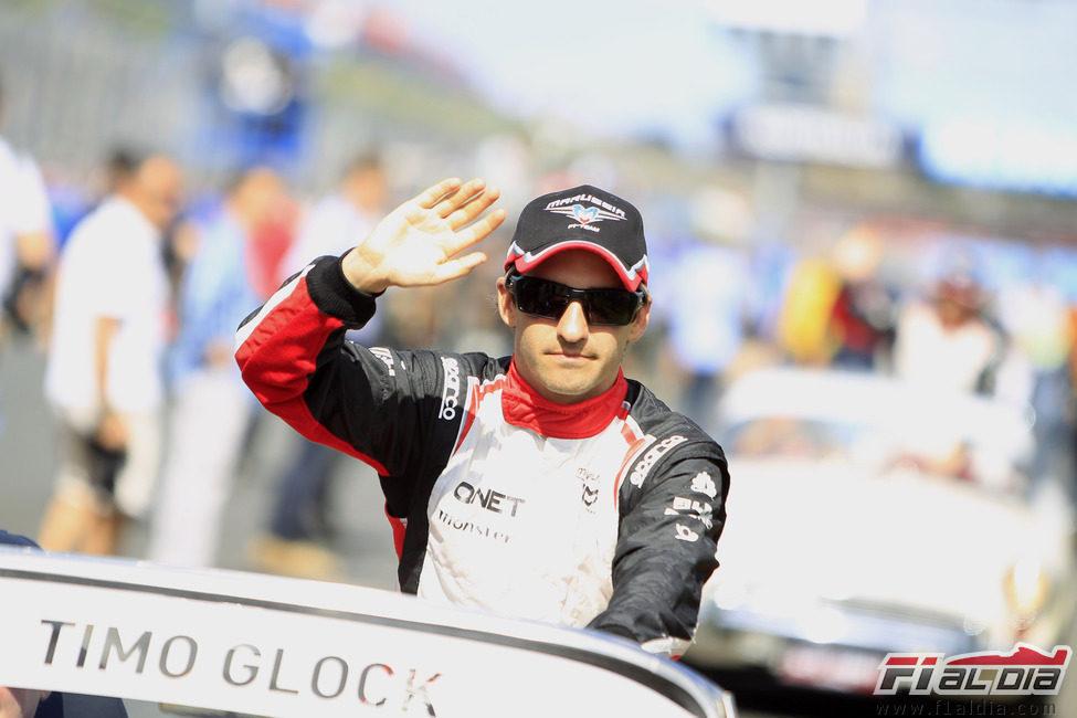 Timo Glock durante el drivers parade del GP de Australia