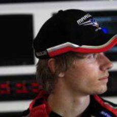 Charles Pic en el box de Marussia