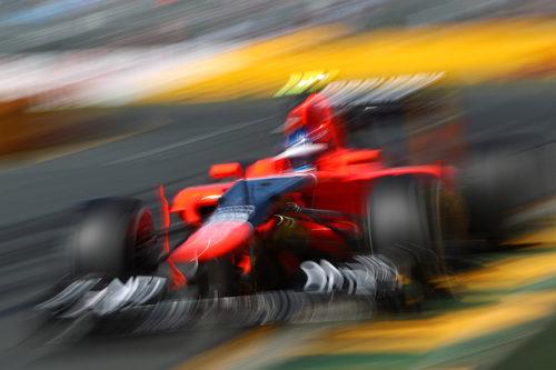 Charles Pic acelera en la recta principal del circuito de Albert Park
