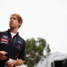 Sebastian Vettel llega al circuito de Sepang