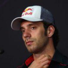 Jean-Eric Vergne en la rueda de prensa de la FIA en Malasia