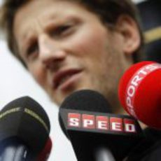 Romain Grosjean habla para BBC, Speed y Sky Sports en Malasia