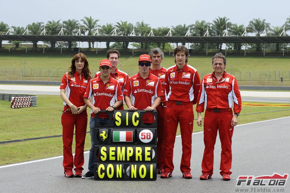 Ferrari recuerda a Marco Simoncelli en Malasia