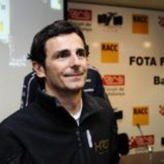 Pedro de la Rosa en el Fota fans forum