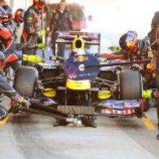 Red Bull practica un pit-stop con las nuevas Pirelli