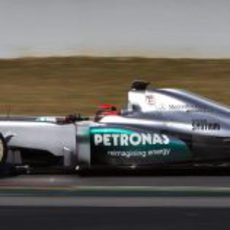 Vista lateral del W03 de Michael Schumacher