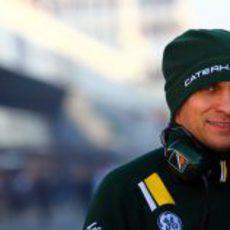 Vitaly Petrov con la ropa de su nuevo equipo