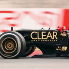 Vista lateral del E20 de Kimi Räikkönen