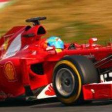 Fernando Alonso a toda velocidad en el F2012