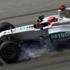 Pasada de frenada de Michael Schumacher en Malasia 2012