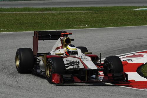 Pedro de la Rosa rueda en Sepang con el F112